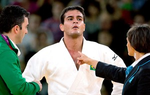 Leandro Guilheiro na luta de judô contra Stevens Travis (Foto: Marcio Rodrigues / FOTOCOM.NET)