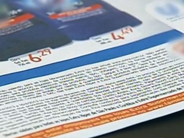 Consumidor deve ficar atento a letras miúdas em anúncios, diz especialista (Foto: Reprodução/TV TEM)