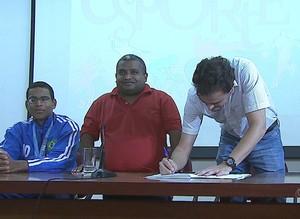 Assinatura da Lei de Incentivo ao Esporte Acre (Foto: Reprodução/TV Acre)