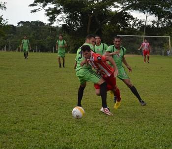 Campeonato de Férias no campo do Calafate (Foto: João Paulo Maia)