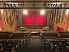 Escola de teatro oferece vagas para cenografia, atuação e mais 5 cursos