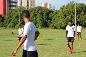 Augusto está de saída para o futebol alagoano (Foto: Marco Freitas)