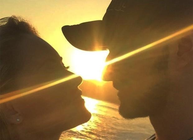 Ellen Rocche e o namorado, Rogério Oliveira (Foto: Reprodução/Instagram)