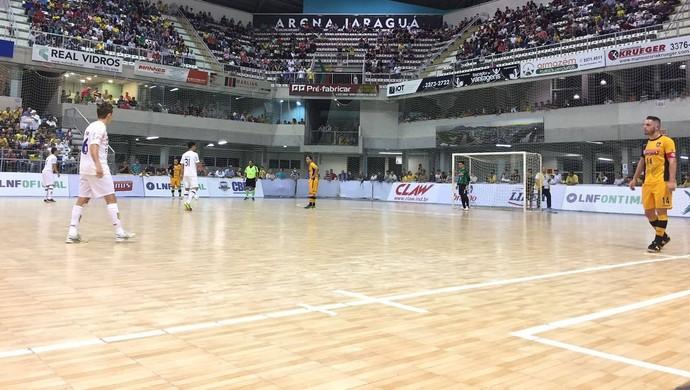 Jaraguá x Sorocaba (Foto: Guilherme Mansueto / Magnus Futsal)