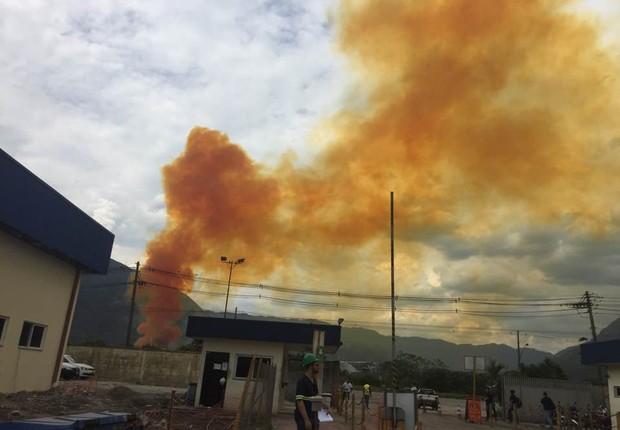 Emissão de gases gerados em incêndio de Cubatão foi contida, diz empresa