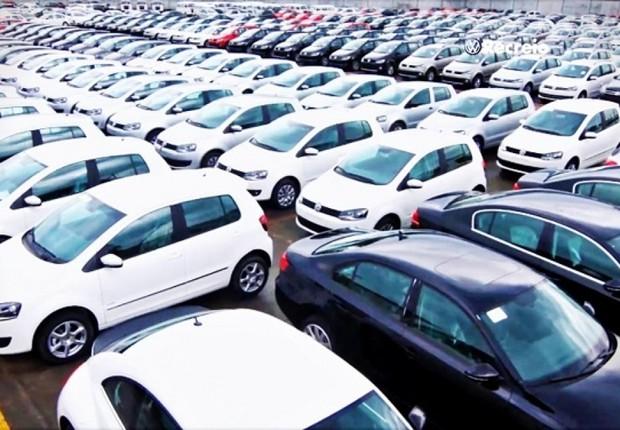 Vendas de carros novos ; pátio de montadora ; concessionária de carros ; automóveis ; veículos ; Renavam ;  (Foto: Reprodução/Facebook)