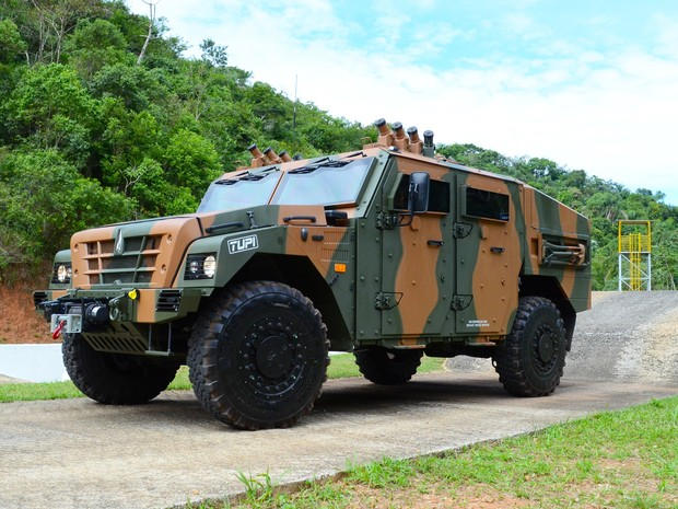 30/07/2015 - Avibras disputa contrato para fornecer viaturas blindadas para o Exército