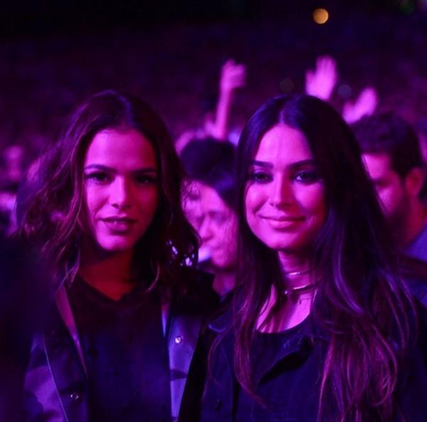 Bruna Marquezine e Thaila Ayala arrasam no Lollapalooza (Foto: Reprodução / Instagram)