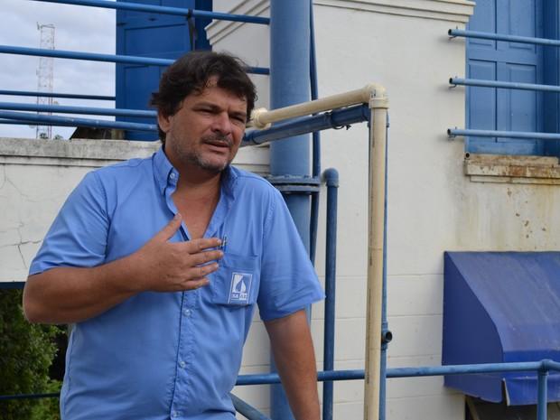 Diretor explicou que abastecimento segue normalmente em Baixo Guandu, no Espírito Santo (Foto: Viviane Machado/ G1)