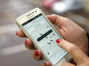 Uber é um aplicativo que oferece carona remunerada (Foto: Câmara Municipal de Curitiba / Divulgação)