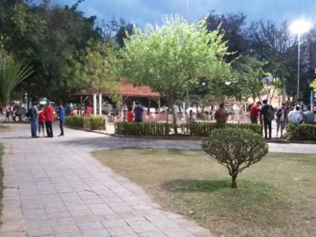 Parque fica lotado de jogadores de Pokémon GO (Foto: São Roque Notícias/Divulgação)