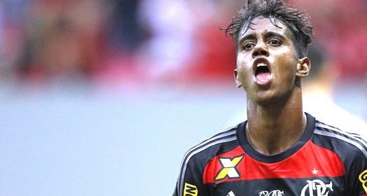 na mira tricolor (Gilvan de Souza / Flamengo.com.br)