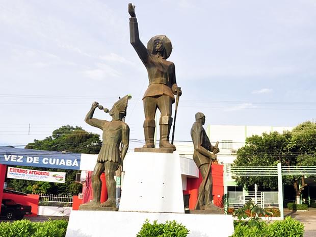 Monumento bandeirantes (Foto: Tita Mara Teixeira/G1)