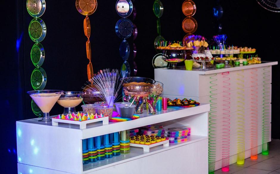 Top Festa infantil com o tema de discoteca néon no 'Fazendo a Festa  TF03