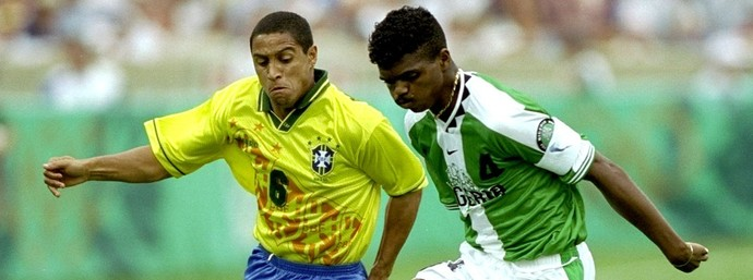 roberto carlos brasil kanu nigeria atlanta 1996 (Foto: Getty Images)