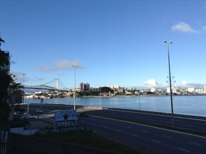 Mirante da Beira-mar Norte permite vista para Ponte Hercílio Luz (Foto: Luíza Fregapani/G1 SC)