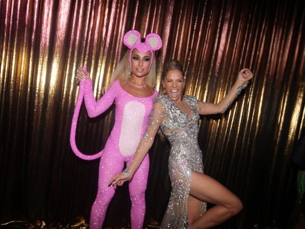 Adriane Galisteu e Sabrina Sato no Baile de Gala da Vogue (Foto: Thiago Duran e Leo Franco / AgNews)