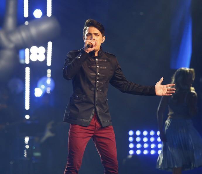 Dan Costa cantando Ivete Sangalo no 'The Voice' (Foto: Artur Meninea/Gshow)