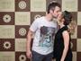 Sandy ganha beijo de Lucas Lima em bastidores de show