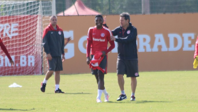 Internacional Inter Vitinho ARgel Fucks treino Inter (Foto: Tomás Hammes/GloboEsporte.com)