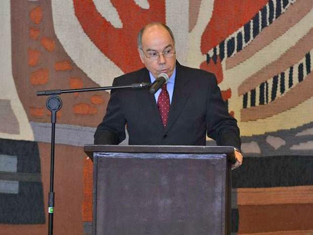 O ministro Mauro Vieira discursa durante cerimônia de transmissão de cargo no Itamaraty (Foto: Valter Campanato / Agência Brasil)