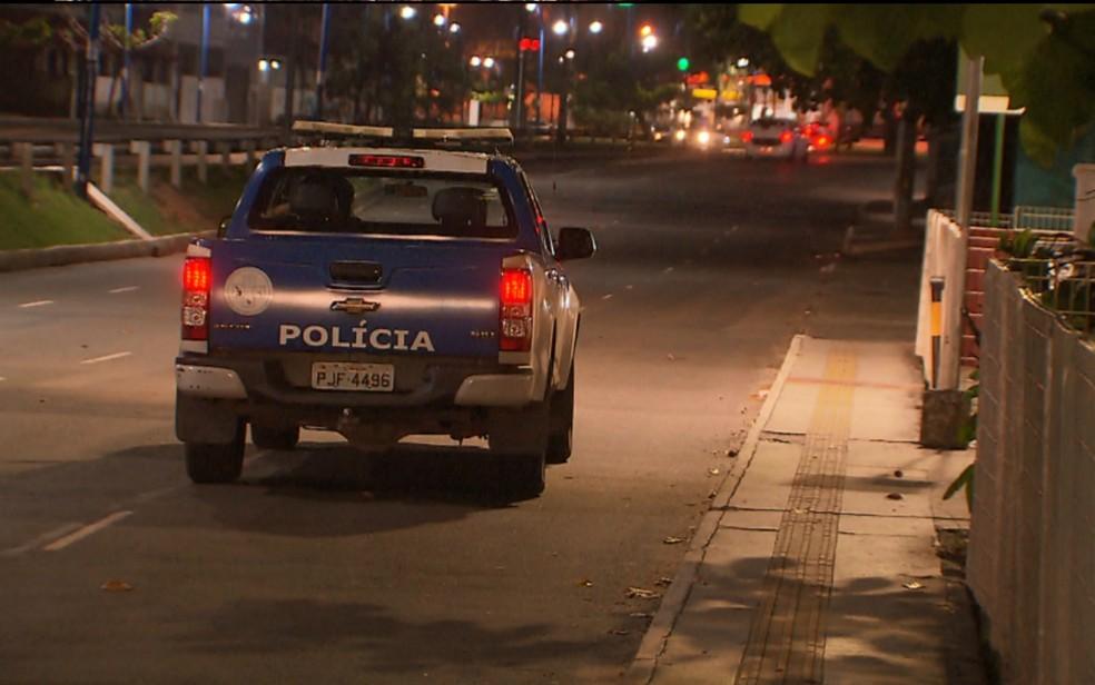 Caso ocorreu em frente a um supermercado da Av. Vasco da Gama (Foto: Reprodução/TV Bahia)