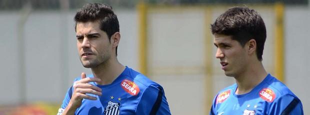Miralles e Pato Rodriguez Santos (Foto: Ivan Storti / Divulgação Santos FC)