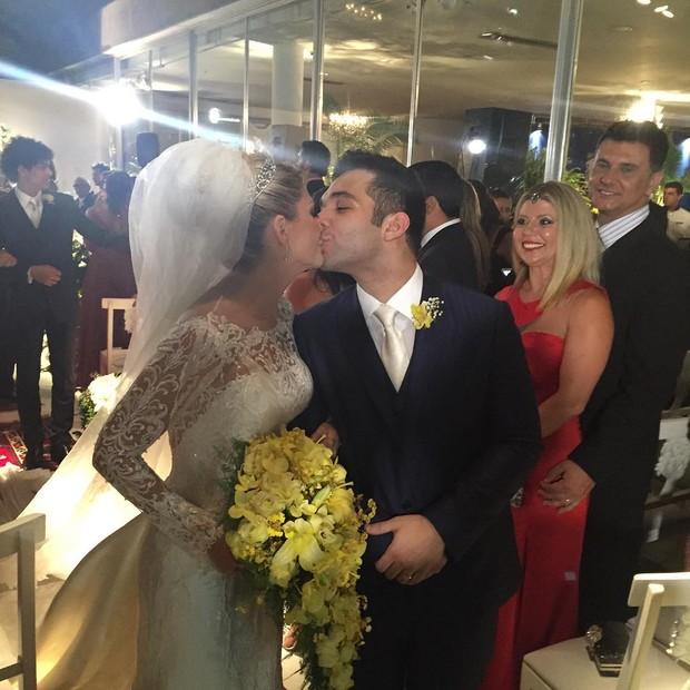 Antônia Fontenelle e Jonathan: casados! (Foto: Reprodução/Instagram)