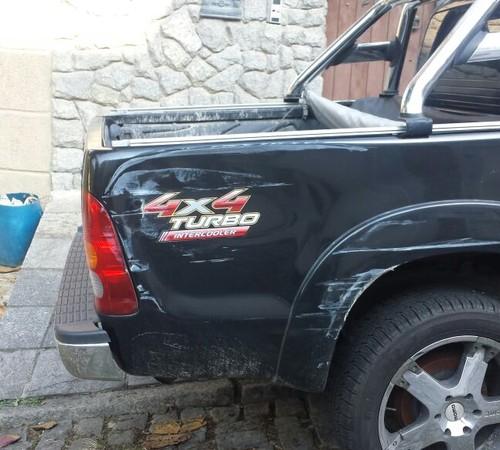 A Hiluz preta de Naldo, que foi danificada no acidente. Valor de mercado que pode chegar até R$ 200 mil, (Foto: Divulgação)