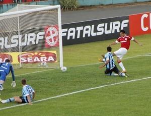 Damião marca no Gre-Nal em Erechim (Foto: Diego Guichard/ Globoesporte.com)
