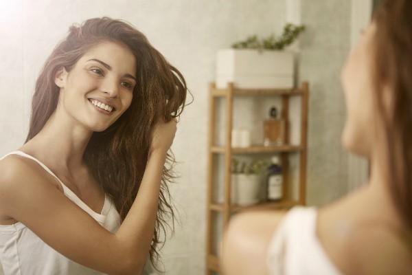 Botox capilar promete fios mais saudáveis sem ter de recorrer à tesoura (Foto: Thinkstock)