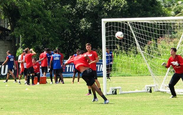 Hernane no treino de finalizações do Flamengo (Foto: Richard Souza)