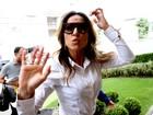 Sabrina Sato chega animada a evento em São Paulo
