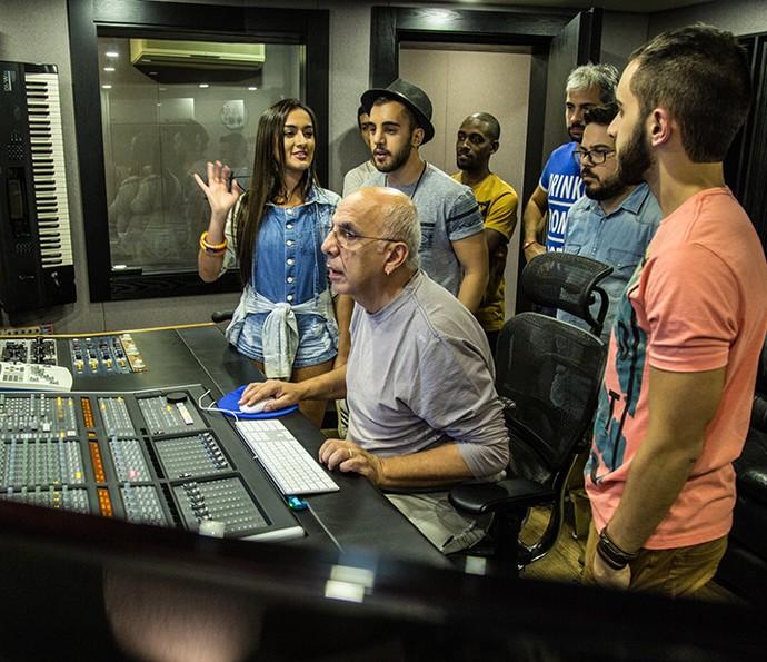 Sucesso no SuperStar, bandas gravaram sua canção em conjunto no estúdio do Roupa Nova (Foto: Arquivo pessoal)