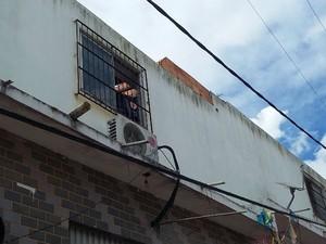 Vítimas trabalhavam em obra de ampliação de um prédio (Foto: Jota Brito/Rádio Baiana FM)
