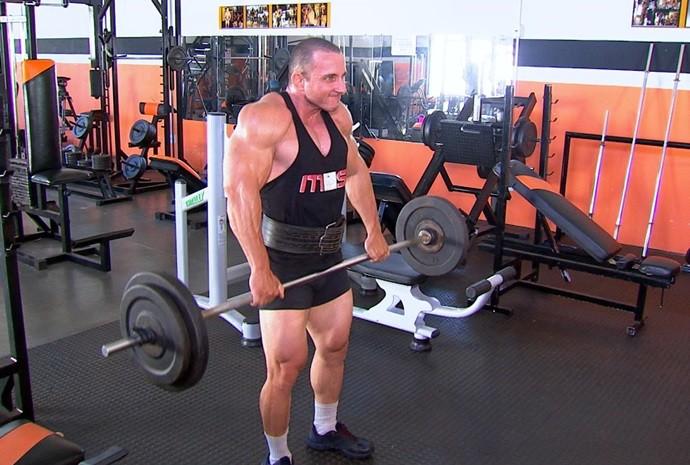 Marcelo segue dietas e treinos rigidamente (Foto: Reprodução / TV TEM)