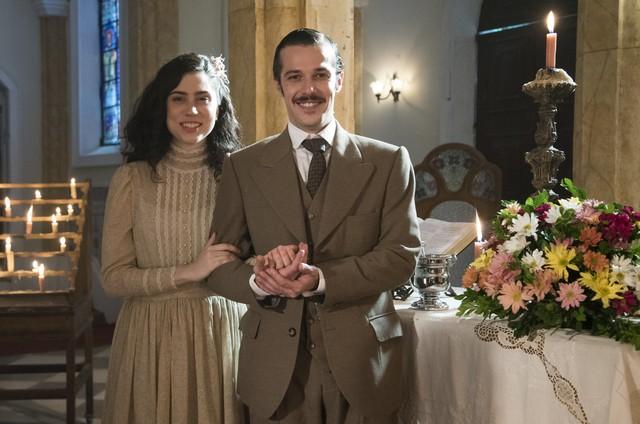 Olivia Torres e Jayme Matarazzo gravam 'Tempo de amar' (Foto: Globo / Cesar Alves)