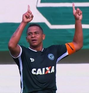 Walter - atacante do Goiás (Foto: Reprodução / PFC)