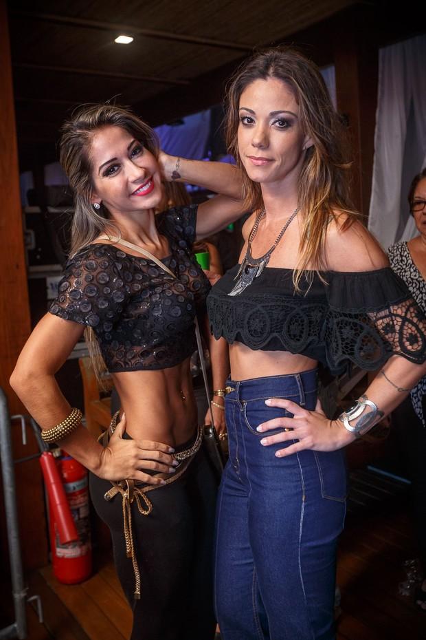 EGO - Ex-BBB Mayra Cardi impressiona por cinturinha em festa no Rio ...