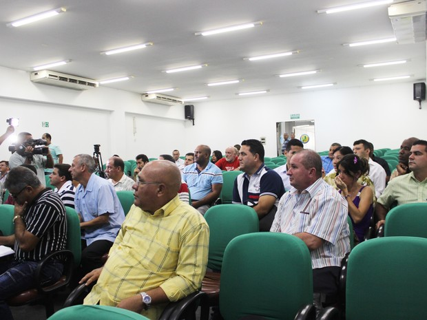 Médicos estrangeiros participam de oficina de acolhimento em Teresina (Foto: Catarina Costa/G1)