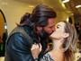 Henri Castelli beija muito a namorada em evento em São Paulo