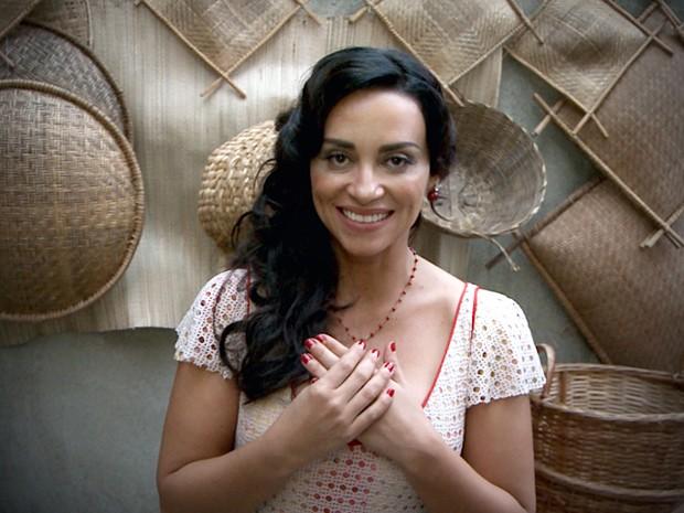 Suzana Pires adorou as unhas de sua personagem, Glória (Foto: Gabriela / TV Globo)