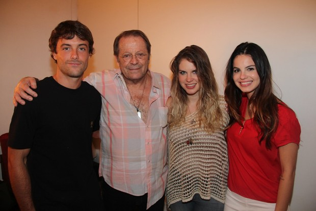 Kayky Brito, Carlos Vereza, Carolinie Figueiredo e Sthefany Brito (Foto: Rogerio Fidalgo/AgNews)