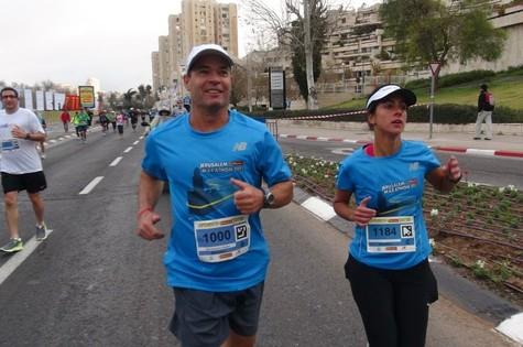 Carol Barcellos em Jerusalém para o quadro 'Fôlego', do 'Esporte espetacular' (Foto: Divulgação TV Globo/ Claudio Marques)