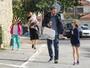 Ben Affleck e Jennifer Garner vão a igreja com os filhos