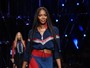 Aos 46 anos, Naomi Campbell brilha na passarela do Milão Fashion Week