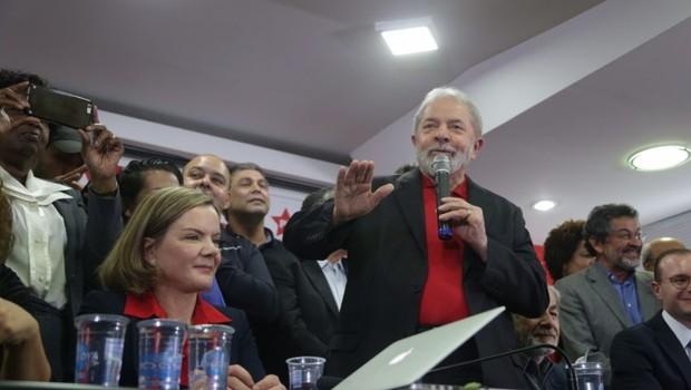 Ex-presidente Lula dá entrevista coletiva na sede do PT Nacional, em São Paulo (Foto: Paulo Pinto/AGPT)