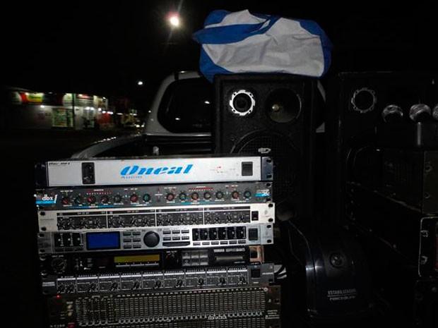 Material furtado do bar foi recuperado (Foto: Divulgação/Degepol)
