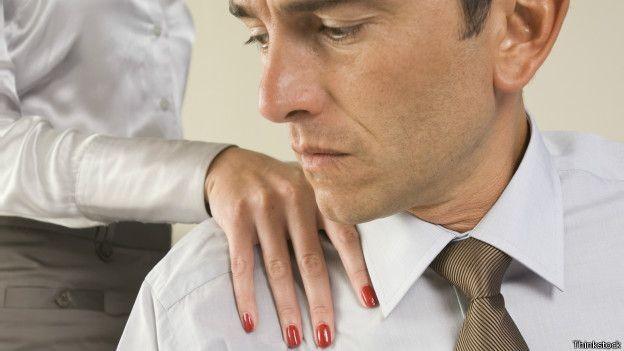 Assédio sexual é mais comum entre mulheres, mas 20% dos homens disseram ter sofrido este abuso (Foto: Thinkstock)