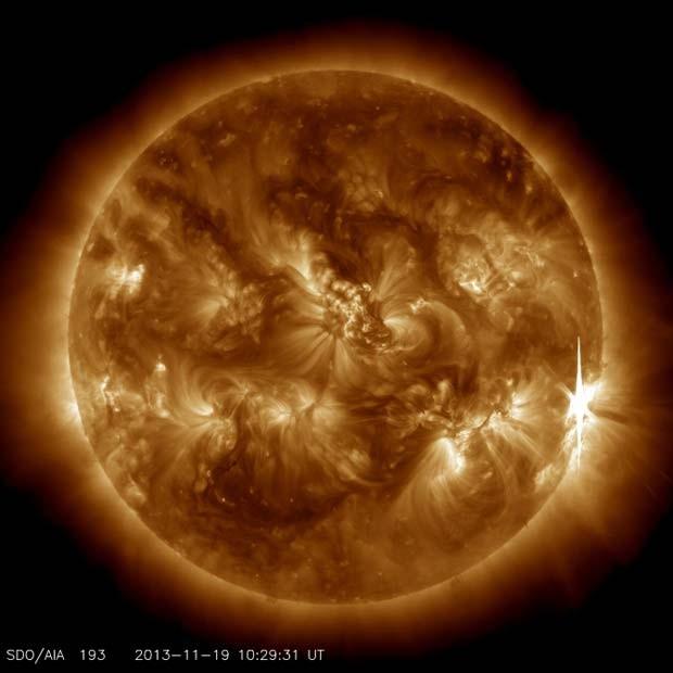 Explosão solar ocorreu nesta terça-feira (19) (Foto: Nasa)